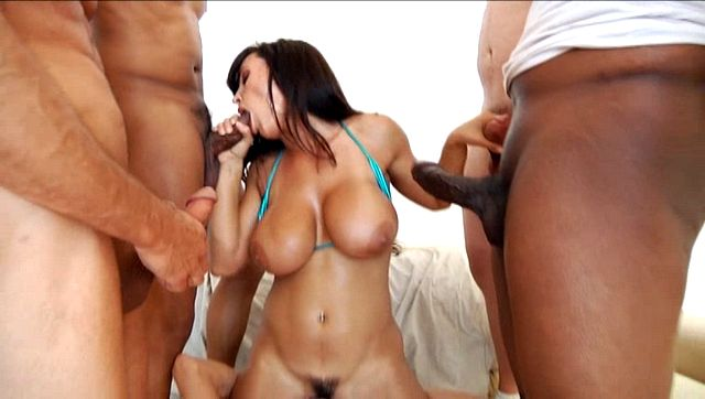 PLAY: Enthralling babe Lisa Ann gets covered in warm cum