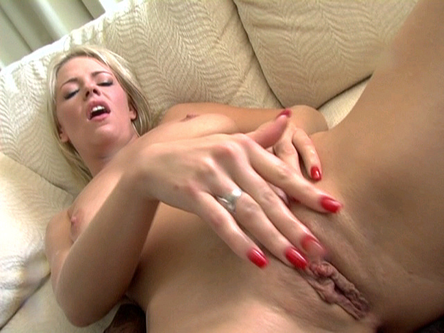 Yeah love those amy brooke squirt more please yess She