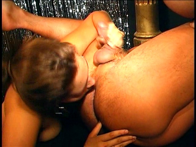PLAY: Stunning Vanilla Sky blows a male for a hot shot of jizz all over her face